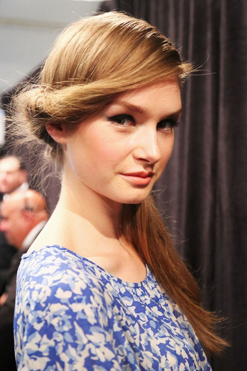 Long-Side-Twisted-Ponytail-Hairstyles-for-Prom-Party-Pictures