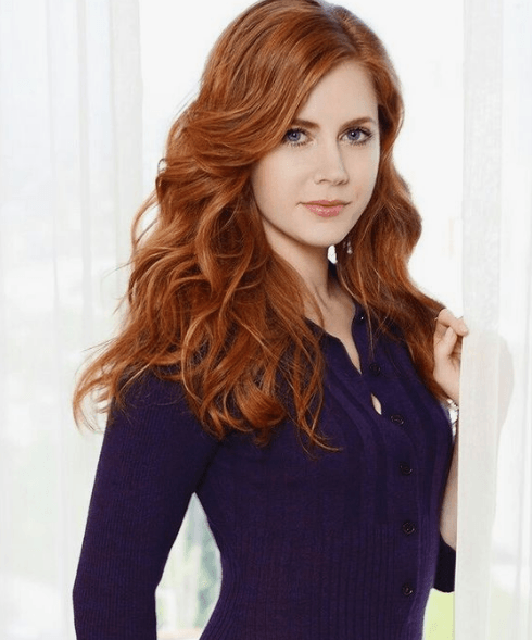 Actriz Amy Adams pelirroja natural